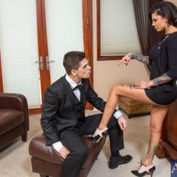 Bonnie Rotten in 'Naughty America' and Bruce Venture in Naughty Rich Girls (Thumbnail 2)