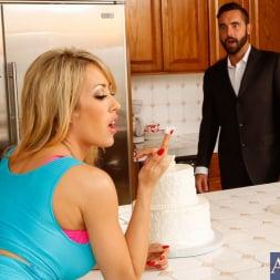 Capri Cavanni in 'Naughty America' in Naughty Weddings (Thumbnail 1)