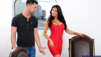 Romi Rain en 'in My Wife's Hot Friend'