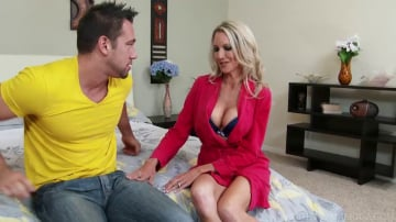 Emma Starr in My Friends Hot Mom