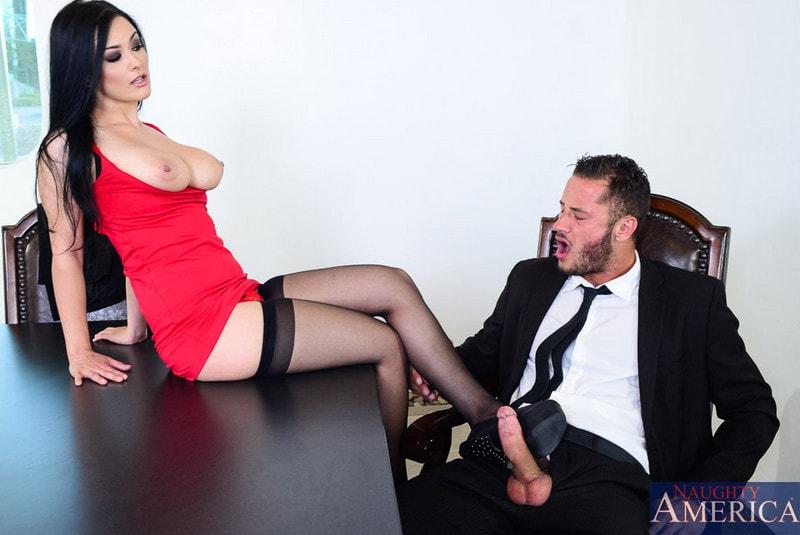 Naughty America 'in Naughty Office' starring Katrina Jade (Photo 3)