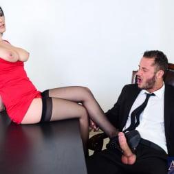 Katrina Jade in 'Naughty America' in Naughty Office (Thumbnail 3)