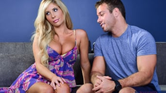 Tasha Reign に 'in I Have a Wife'