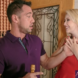 Samantha Rone in 'Naughty America' in I Have a Wife (Thumbnail 2)