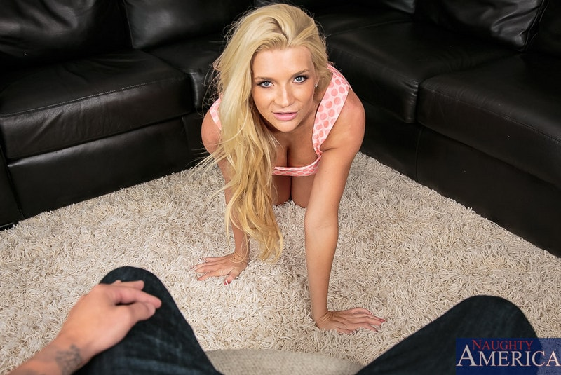 Naughty America 'in Housewife 1 on 1' starring Addison Avery (Photo 1)