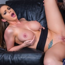 Brooklyn Chase in 'Naughty America' in Naughty Office (Thumbnail 4)