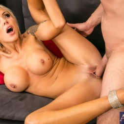 Nina Elle in 'Naughty America'  in Seduced by a cougar (Thumbnail 5)