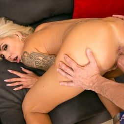Nina Elle in 'Naughty America'  in Seduced by a cougar (Thumbnail 14)