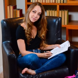 Holly Heart in 'Naughty America' and Remy LaCroix in Diary of a Nanny (Thumbnail 12)