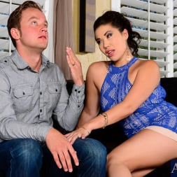 London Keyes in 'Naughty America' in I Have a Wife (Thumbnail 2)