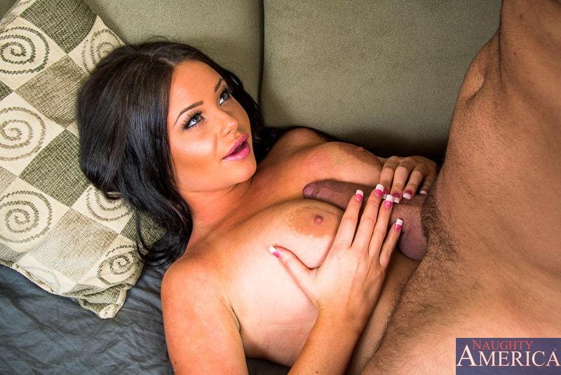 Naughty America 'in My Dad's Hot Girlfriend' starring Rachele Richey (Photo 4)