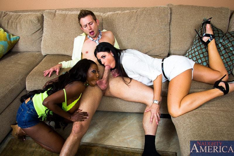 Naughty America 'My Friends Hot Mom' starring Diamond Jackson (Photo 13)
