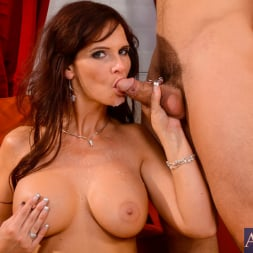 Syren De Mer in 'Naughty America' in My Friends Hot Mom (Thumbnail 11)