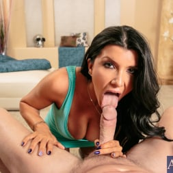 Romi Rain in 'Naughty America' in Housewife 1 on 1 (Thumbnail 3)