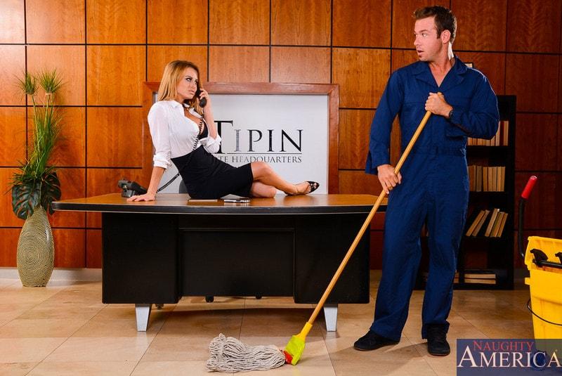 Naughty America 'in Naughty Office' starring Corinne Blake (Photo 1)