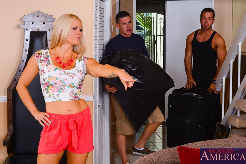 Naughty America 'in My Friends Hot Mom' starring Holly Heart (Photo 1)