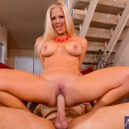 Holly Heart in 'Naughty America' in My Friends Hot Mom (Thumbnail 8)