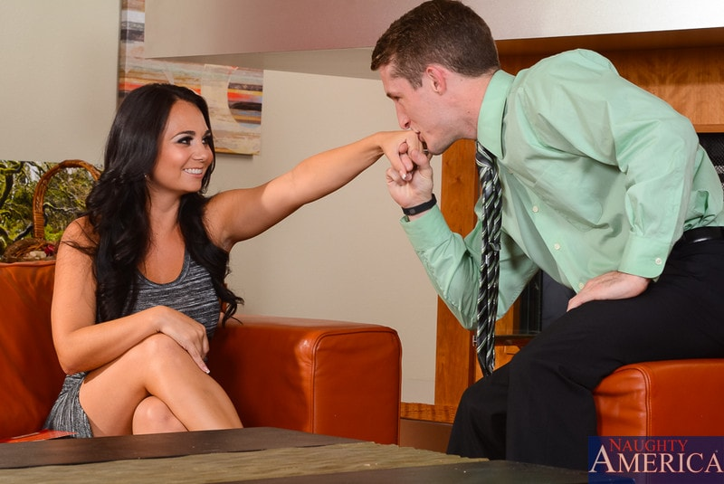 Naughty America 'in My Dad's Hot Girlfriend' starring Holly West (Photo 1)