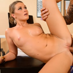 Abby Cross in 'Naughty America' in Naughty Office (Thumbnail 14)