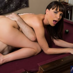 Dana DeArmond in 'Naughty America' in I Have a Wife (Thumbnail 8)