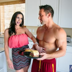 Kendra Lust in 'Naughty America' in My Friends Hot Mom (Thumbnail 1)