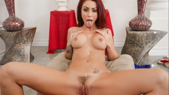 Monique Alexander に 'in Housewife 1 on 1'