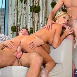Tasha Reign in 'Naughty America' in My Friend's Hot Girl (Thumbnail 6)