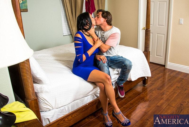 Naughty America 'in My Friend's Hot Girl' starring Missy Martinez (Photo 1)