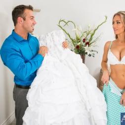 Nicole Aniston in 'Naughty America' in Naughty Weddings (Thumbnail 1)