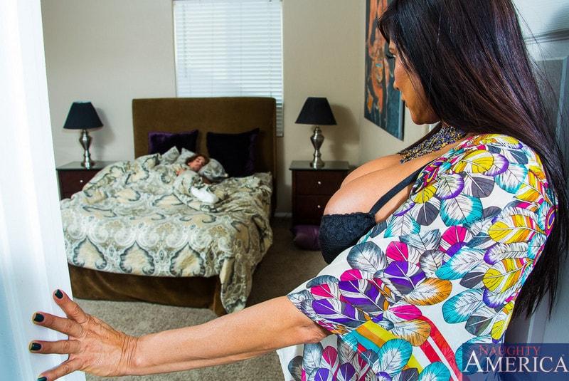 Naughty America 'in My Friends Hot Mom' starring Sheila Marie (Photo 1)
