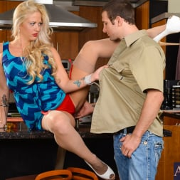 Holly Heart in 'Naughty America' in Seduced by a Cougar (Thumbnail 2)