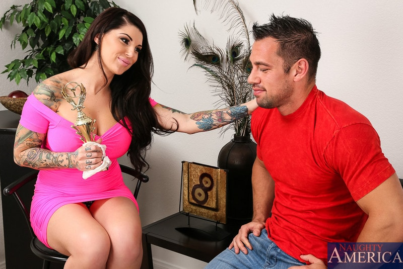 Naughty America 'in My Dad's Hot Girlfriend' starring Darling Danika (Photo 1)