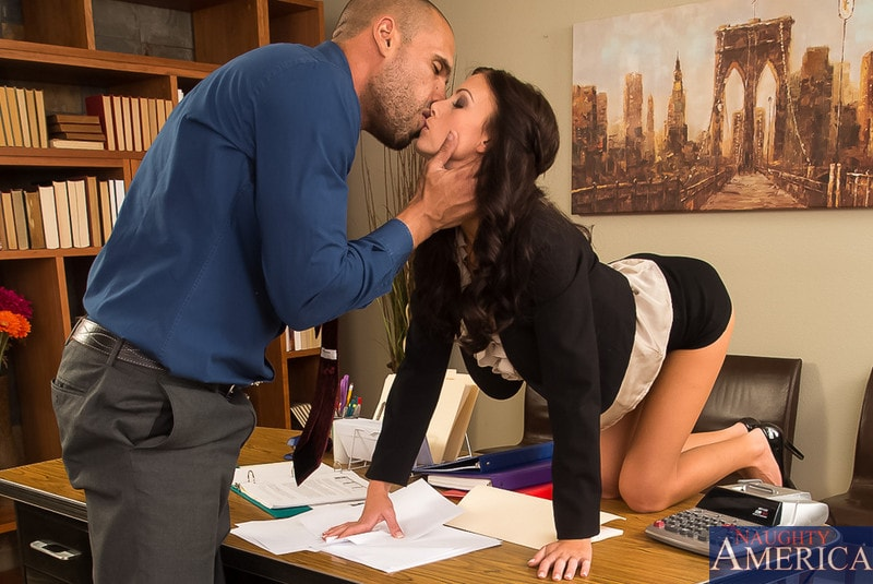 Naughty America 'in Naughty Office' starring Whitney Westgate (Photo 3)