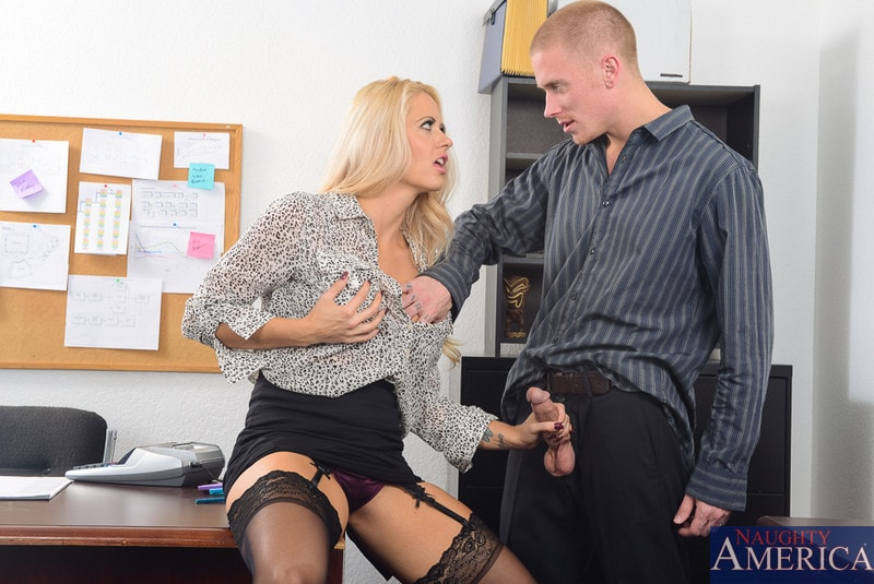 Naughty America 'in Naughty Office' starring Holly Heart (Photo 2)