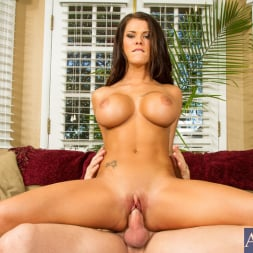 Peta Jensen in 'Naughty America' in I Have a Wife (Thumbnail 14)