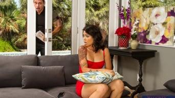 Dana Vespoli in 'in My Friend's Hot Girl'