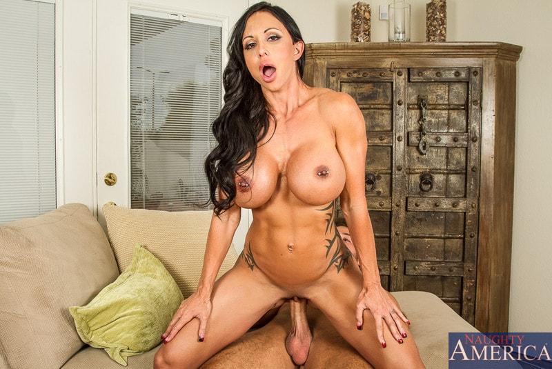 Naughty America 'in My Friends Hot Mom' starring Jewels Jade (Photo 6)