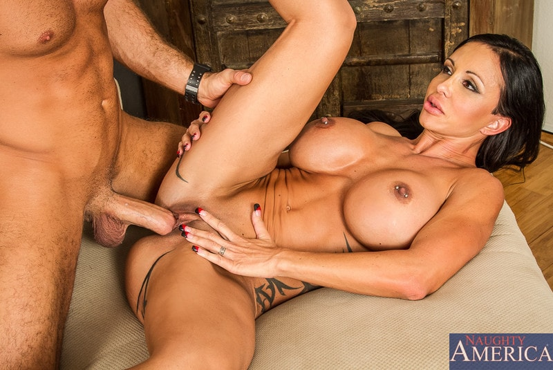Naughty America 'in My Friends Hot Mom' starring Jewels Jade (Photo 13)