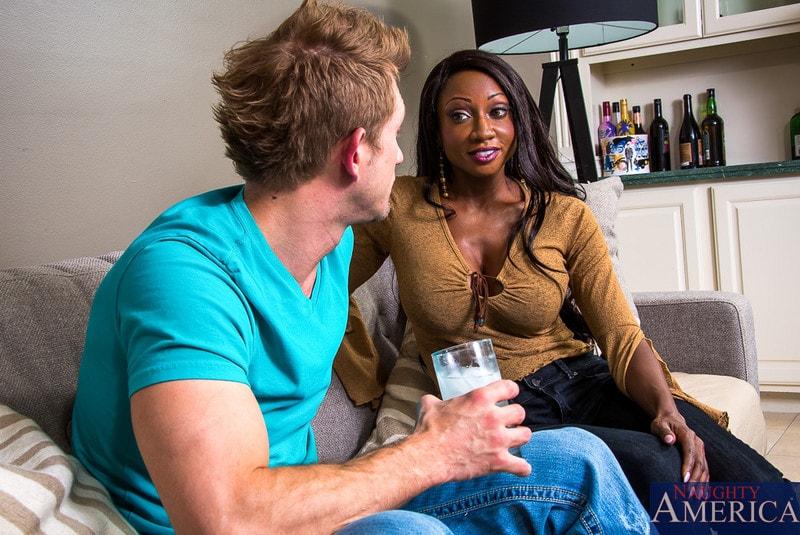 Naughty America 'in My Friends Hot Mom' starring Diamond Jackson (Photo 1)