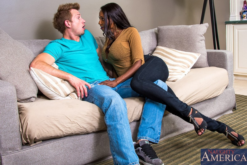 Naughty America 'in My Friends Hot Mom' starring Diamond Jackson (Photo 2)