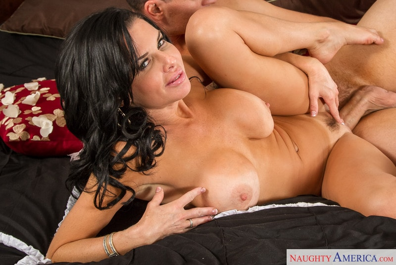 Naughty America 'in Seduced by a Cougar' starring Veronica Avluv (Photo 10)