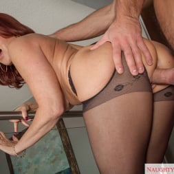 Janet Mason in 'Naughty America' in My Friends Hot Mom (Thumbnail 5)