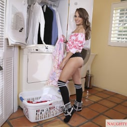 Kimmy Granger in 'Naughty America'  and Tyler Steel in My Dad's Hot Girlfriend (Thumbnail 1)