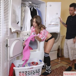 Kimmy Granger in 'Naughty America'  and Tyler Steel in My Dad's Hot Girlfriend (Thumbnail 3)