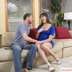 Dana DeArmond in 'Naughty America' and Ryan Mclane in Neighbor Affair (Thumbnail 2)