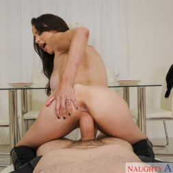 McKenzie Lee in 'Naughty America' and Preston Parker in Housewife 1 on 1 (Thumbnail 6)