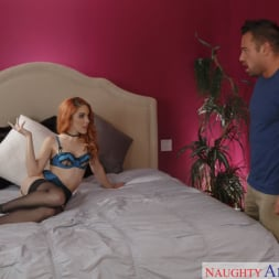 Amarna Miller in 'Naughty America' and Johnny Castle in Dirty Wives Club (Thumbnail 2)