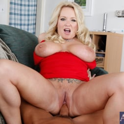 Rachel Love in 'Naughty America' and Tony DeSergio in Housewife 1 on 1 (Thumbnail 6)
