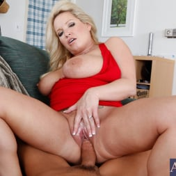Rachel Love in 'Naughty America' and Tony DeSergio in Housewife 1 on 1 (Thumbnail 7)