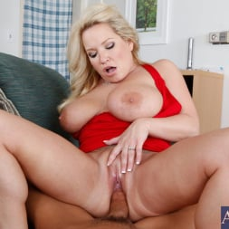 Rachel Love in 'Naughty America' and Tony DeSergio in Housewife 1 on 1 (Thumbnail 8)